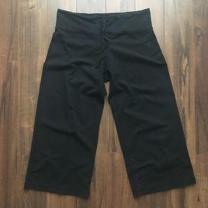 lululemon Wide Leg Capri Yoga Pants in Black